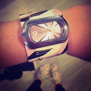 Vintage 70's Mary Kay Watch